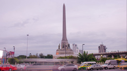 Time Lapse of Victory Monument at Dusk in Bangkok, Stock Video Footage