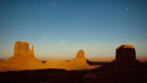 (1134) Monument Valley Utah Sunset Moonrise Timelapse Footage