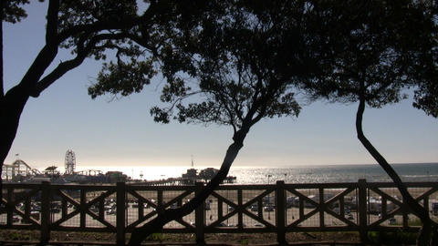 Beach scenic of the beautiful Santa Monica pier (High... Stock Video Footage