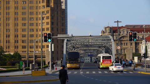 timelapse,Shanghai bund traffic,waibaidu bridge,cars waiting traffic lights Animation