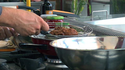 rapid preparation of the chicken in oil Live Action