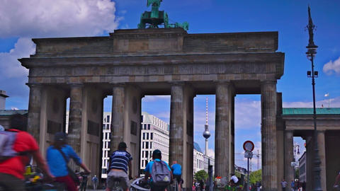 The Brandenburg Gate ( Brandenburger Tor), attract Live Action