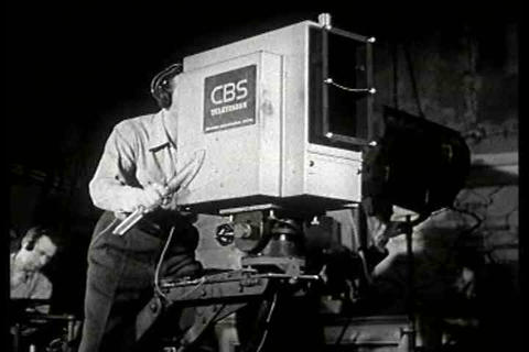Gilbert Seldes, president of CBS television, speak ライブ動画