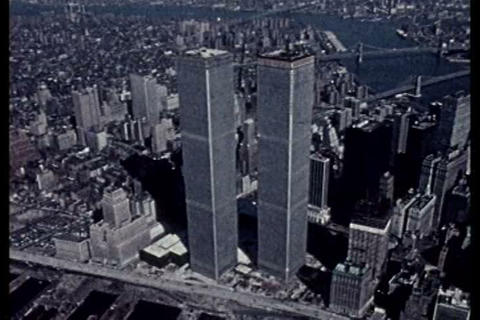 Silent footage of the building of the World Trade, Live Action