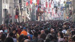 Busy crowded shopping street in Istanbul Footage