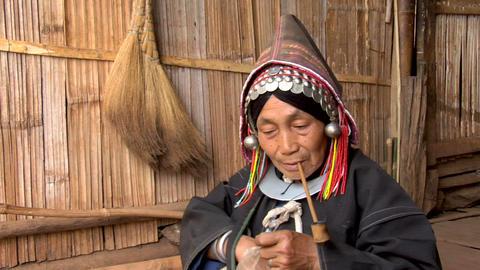 Akha Pipe Smoker Footage