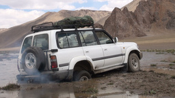 Jeep stuck in swamp in Tajikistan's Pamirs Footage