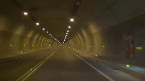 driving fast in the tunnel time lapse Live影片