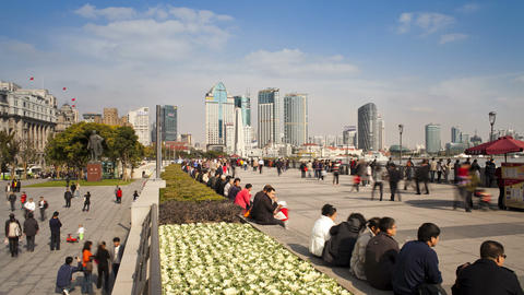 TL People on promenade, by the Huangpu waterfront, Footage