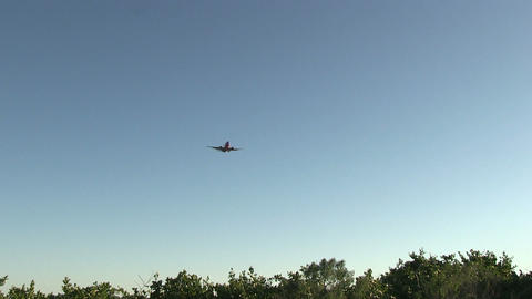 Commercial airplane approaching Live Action