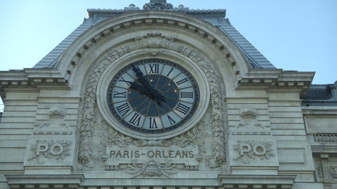 Facade of Orsay Museum, Live Action