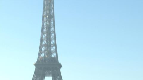 Tour Eiffel in Paris Live Action
