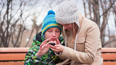 Communication Via Smartphone Footage