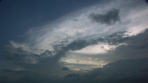 Timelapse cloud layers Live Action