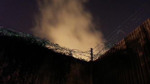 Timelapse barbed wire Live Action