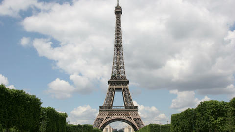 Timelapse Eiffel Tower Live Action