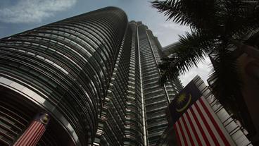 Timelapse Petronas Twin Towers flag Footage