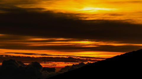 Gorgeous Sunrise Timelapse at La Reunion, Piton De Filmmaterial