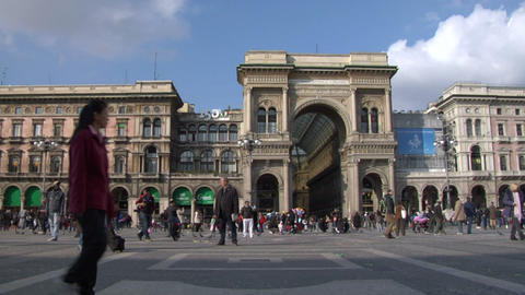 people timelapse Milan square 02 Footage