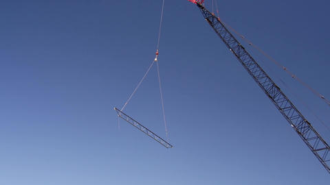 Steel beam lift tight Live Action