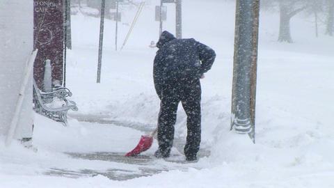 Man Shoveling Snow 03 Archivo