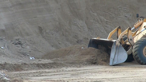 dig tractor Stock Video Footage