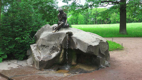 Fountain Girl with a jug. Pushkin. Catherine Park. Footage