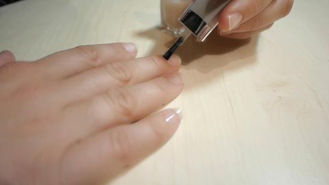DOLLY: Nail polish ビデオ