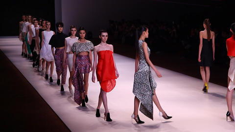 Super models Haute Couture catwalk high fashion ru Footage