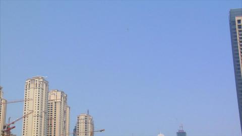 helicopter arrive dubai marina Stock Video Footage