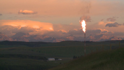 HD2008-8-1-6 gas flare Stock Video Footage
