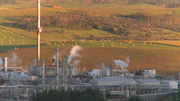 HD2008 8 1 16 gas plant Stock Video Footage