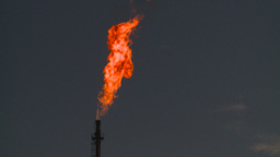 HD2008-8-1-22 gas flare Stock Video Footage