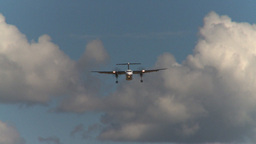 HD2008-8-2-26 Dash8 on approach Stock Video Footage