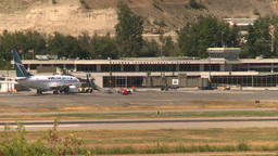 HD2008-8-2-44 Kelowna term B737 Stock Video Footage