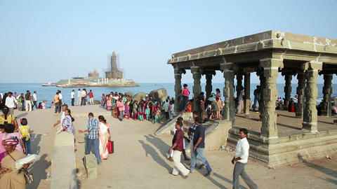 KANYAKUMARI, INDIA - MARCH 2013: Pilgrims gathered Stock Video Footage