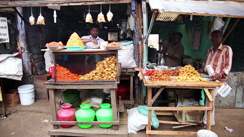 OOTY, INDIA - MARCH 2013: Local market vendors Stock Video Footage