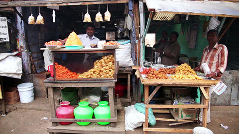 OOTY, INDIA - MARCH 2013: Local market vendors Footage