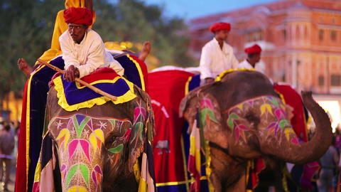 JAIPUR, INDIA - APRIL, 2013: Traditionally painted Stock Video Footage