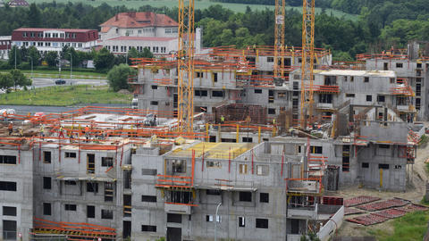4k UHD housebuilding construction med pan 11378 Stock Video Footage