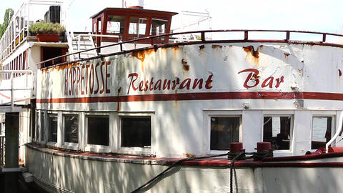 Hoppetosse Steamboat stock footage