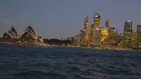 evening view medium shot of the sydney opera house Stock Video Footage