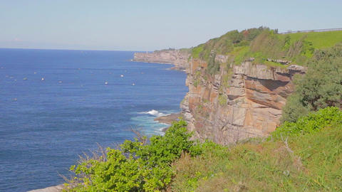 a pan of the coogee coastal walk to bondi beach Stock Video Footage