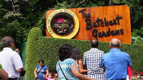 butchart garden - main sign Live Action