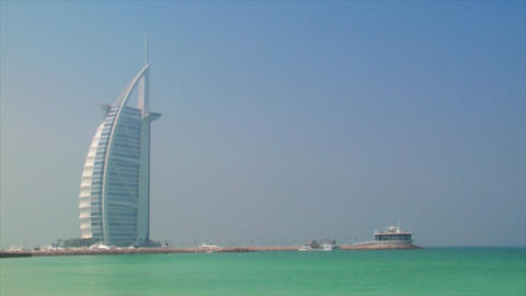 blue sky to Burj al Arab tilt Stock Video Footage