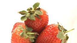 Rotary cluster of strawberries Live Action