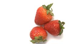 three strawberries Live Action