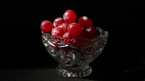 1499 Grapes in Glass Bowl Live Action
