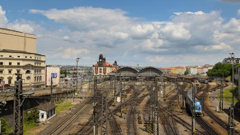 4k UHD prague train station traffic time lapse 114 Footage