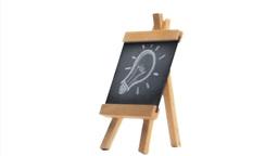 Light bulb drawn on a blackboard Stock Video Footage